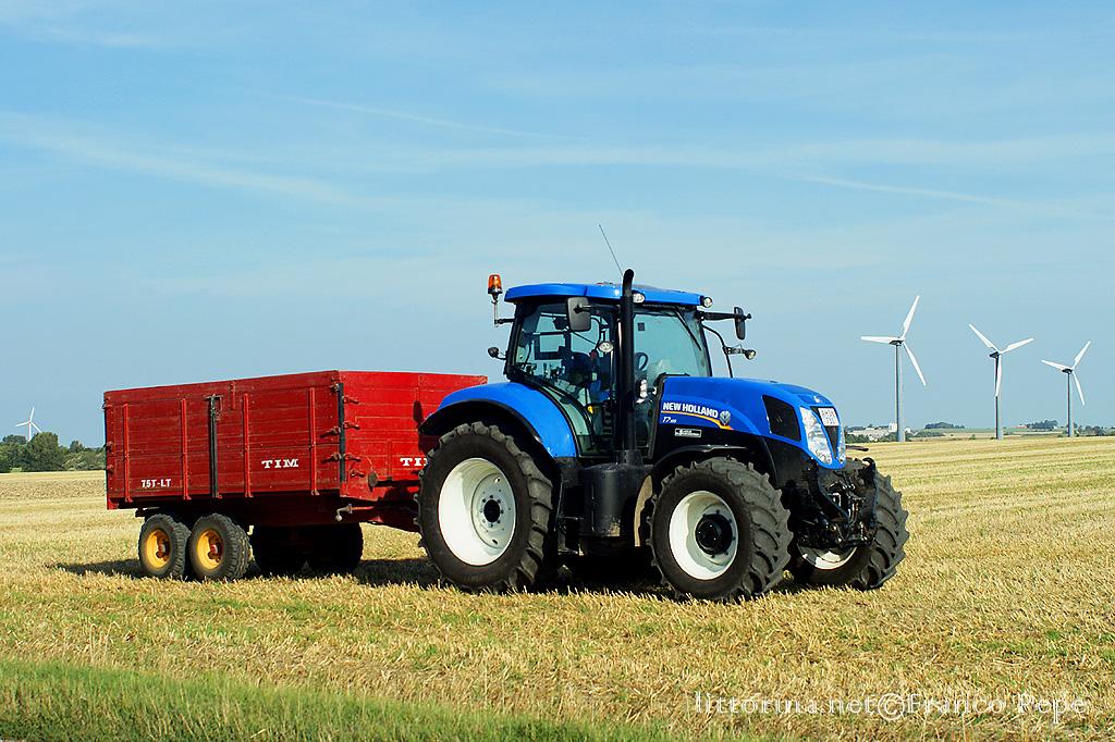 Sfondi trattori new holland