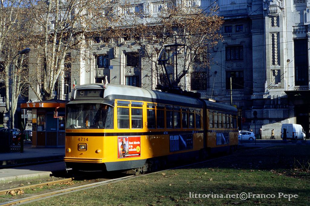 Atm tram 4714 piazza 4 novembre milano 11 febbraio for Arredare milano piazza iv novembre